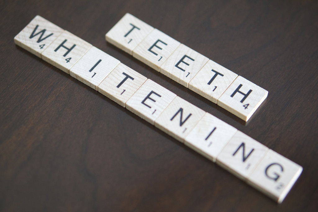 Advantages of professional teeth whitening vs. over the counter kits